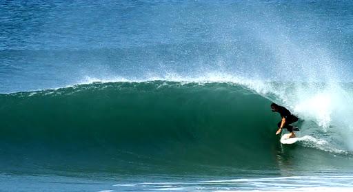 Equipe que produziu o filme fez uma série de filmagens nas praias da capital catarinense  Foto: Marcos Delboux/ Site oficial Pegadas Salgadas